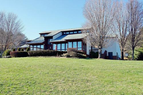 Real Estate for Sale, ListingId: 33057240, Waynesboro,VA22980