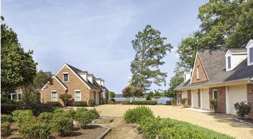 Featured Property in HARTFIELD, VA, 23071